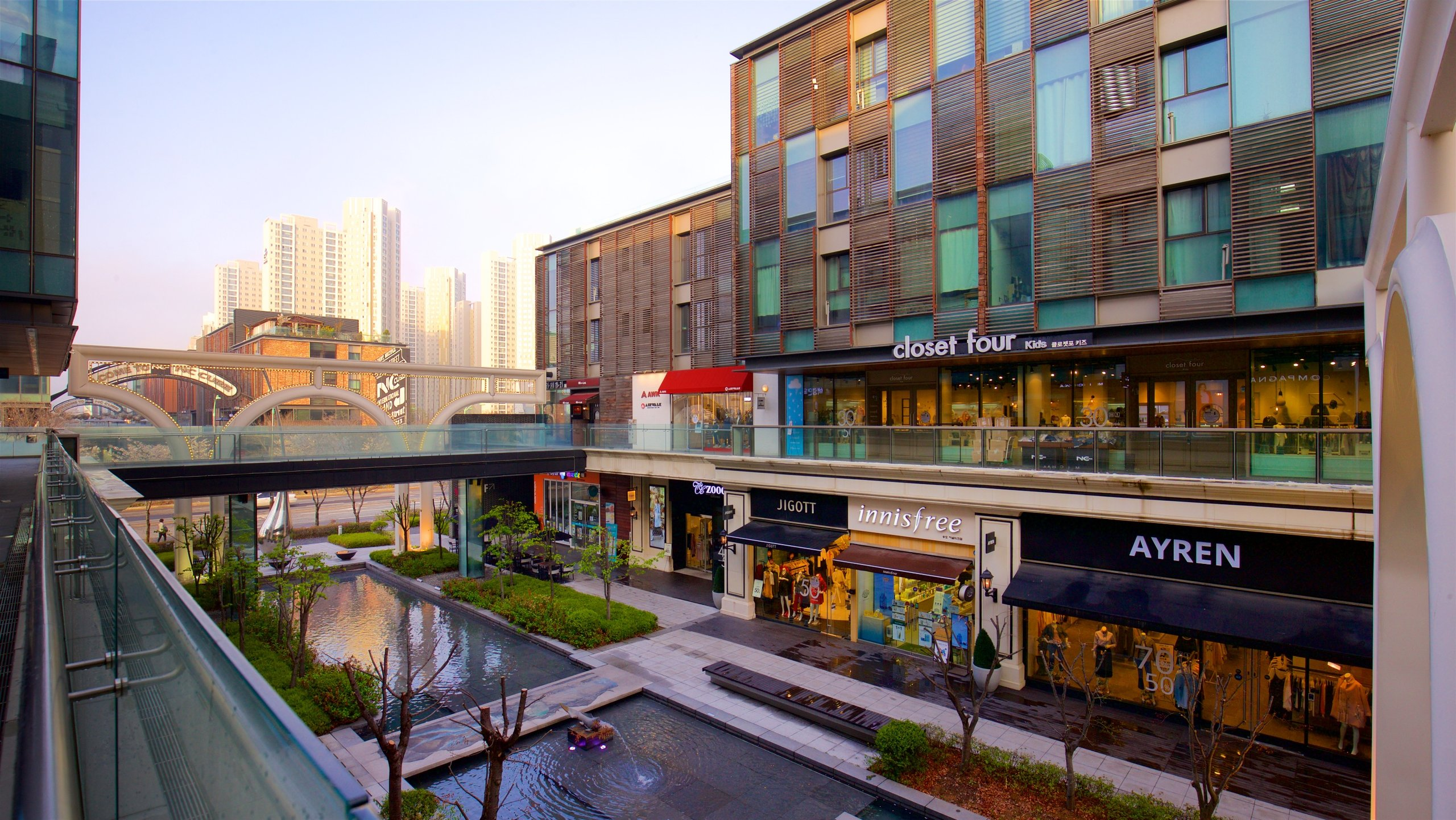 Phố NC Cube Canal Walk, Incheon